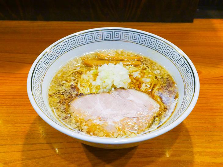 「煮干し醤油ラーメン」800円