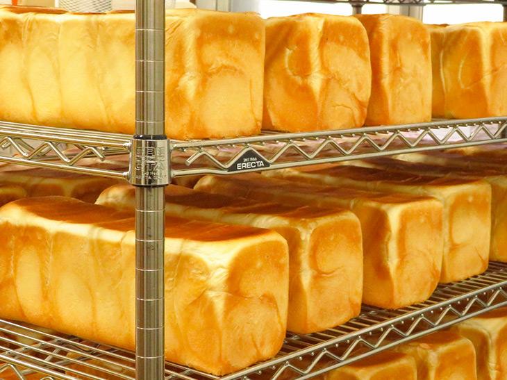創業78年! 行列が絶えない『ペリカン』(浅草)の食パンが愛され続ける理由