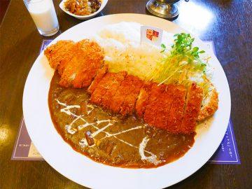 軍艦マーチとともにデカ盛り襲来!『横須賀海軍カレー本舗』で約1.8kgの「チキンカツカレー」を食べてきた