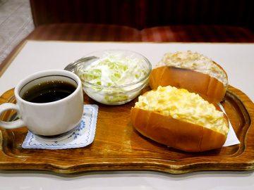 昭和感たっぷり! 新宿の名曲喫茶『らんぶる』でボリューム満点「卵&ツナサンド」を食べてきた