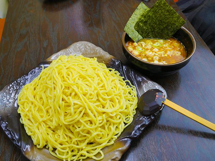 1.4kgのメガ盛りつけ麺! 茅場町『つけ麺隅田』の「新川盛り」を食べてきた
