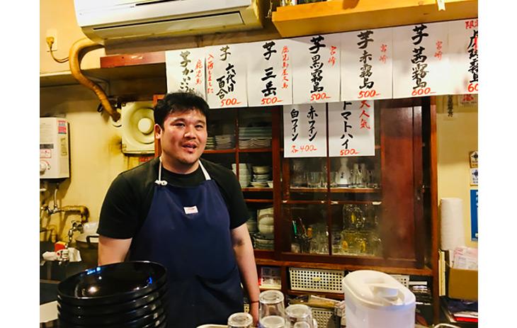 店主の小松信也氏。大手弁当チェーン店で腕を磨いたヤリ手のオーナー
