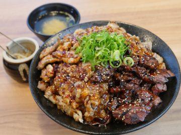 牛豚鶏肉4種の豪華デカ盛り! 『肉丼専門店 新大久保肉劇場』の「肉激情丼」を食べてきた