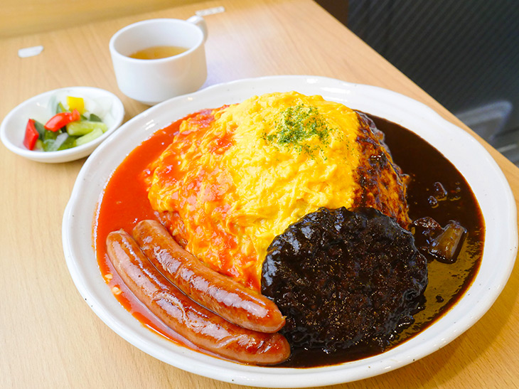 重量1.4kg!? 『神田たまごけん』の超デカ盛りオムライスを食べてきた