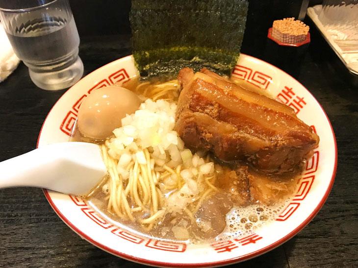 こちらはお店で私がよく食べる伊吹の「淡麗中華ソバ」
