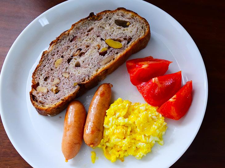 自宅に行列ベーカリーのパンが届く! パンのサブスクサービス「パンスク」を試してみた