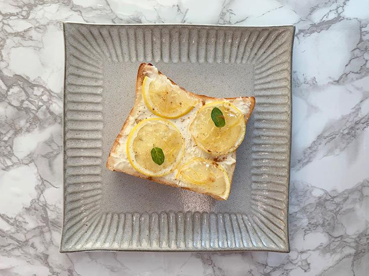 """""""朝パン""""が楽しみになる「レモンとクリームチーズのトースト」の作り方"""