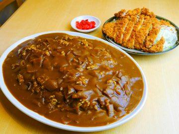 重量約2kg! 横浜『どん八』のデカ盛り「スペシャルカレー」を食べてきた