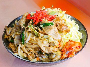 約1.1kgの巨大焼肉丼を『らーめん Bamboo』(南町田)で食べてきた