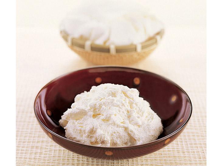 第6位|『銀のぶどう』の「チーズケーキ かご盛り白らら」1080円