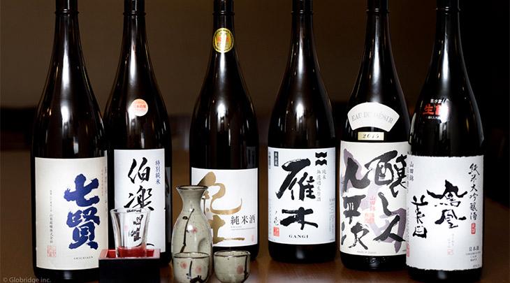 日本酒や焼酎は月替わりで楽しめます