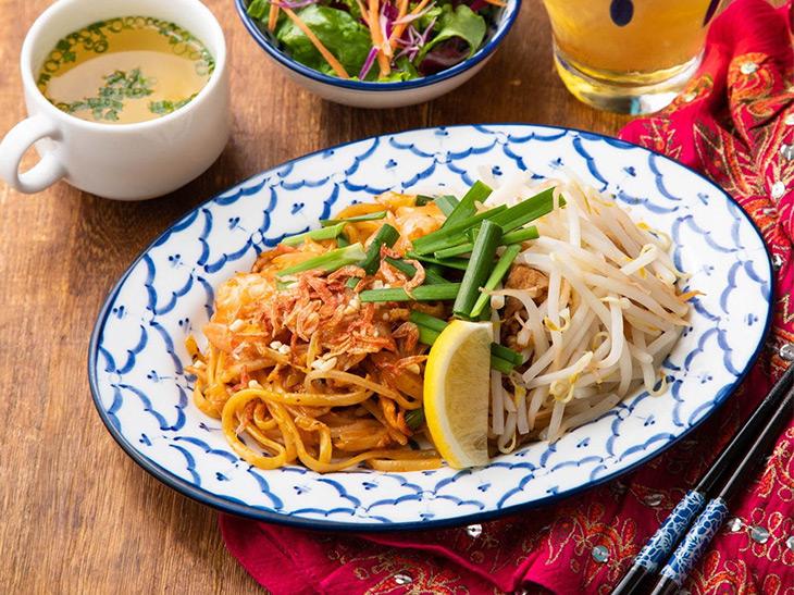 タイ料理の定番「パッタイ」の専門店が新宿に誕生! その実力とは?
