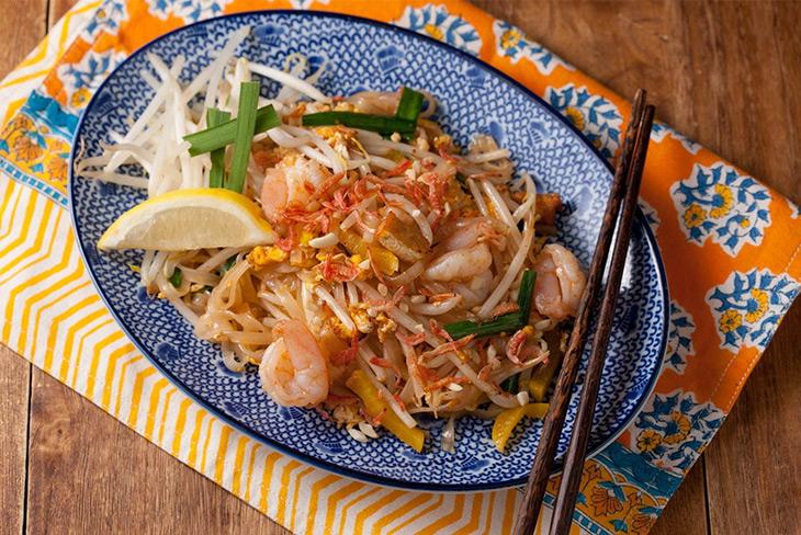タイ料理の定番メニュー「パッタイ」をメインに提供
