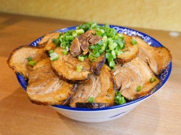 約1.2kg!『幸丼』(品川)で「幸丼バラ どかメガ特盛」を食べてきた