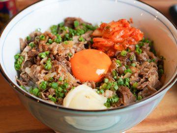 タレ焼肉の名店『誇味山』が「和牛の炭火焼肉丼」&「和牛うどん」の店を神楽坂にオープン