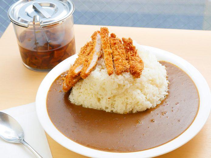 約1.4kgの「ロースカツカレー(トリプル大盛)」を神田『カレー屋 花一』で食べてきた!