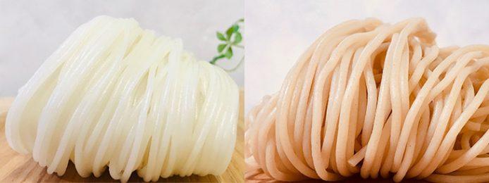 左:白米の米粉で作った「KOMEX白米丸」生米めん150g×4食入り1560円(通販初回限定1200円)、10食入り3700円、2食分+オリジナル中華風肉みそ2人前1500円、右:玄米の米粉で作った「KOMEX玄米丸」生米めん150g×4食入り1720円