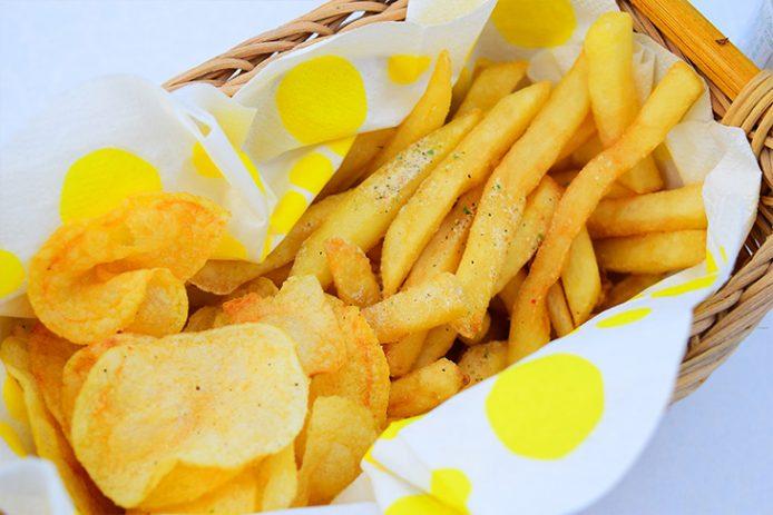 フライドポテト&ポテトチップス、どちらも相性バツグン