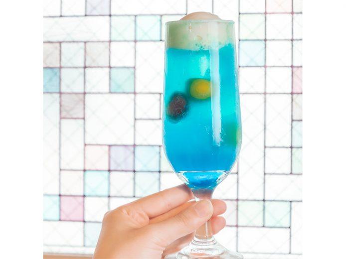 「おとなの日本酒クリームソーダ」は、好きな日本酒+299円でのオーダー