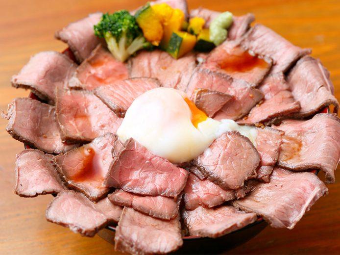 五反田『たまごとうし』で約1kgのデカ盛りローストビーフ丼を食べてきた!