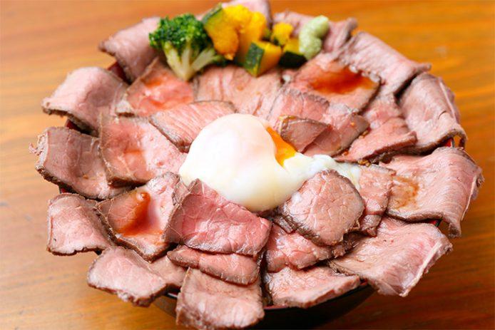 「ローストビーフ丼」(メガ盛り)1350円
