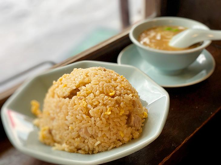 東京一の炒飯と噂の町中華の名店『龍朋』で名物のチャーハンを食べてきた!