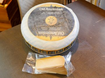 クセが強いヤギ乳チーズはどう選ぶ? チーズ専門店で美味しい食べ方を聞いてきた!