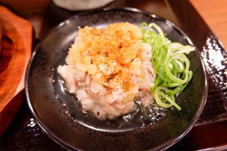 「神戸牛おろし和え」。ポン酢の酸味が味を引きしめます