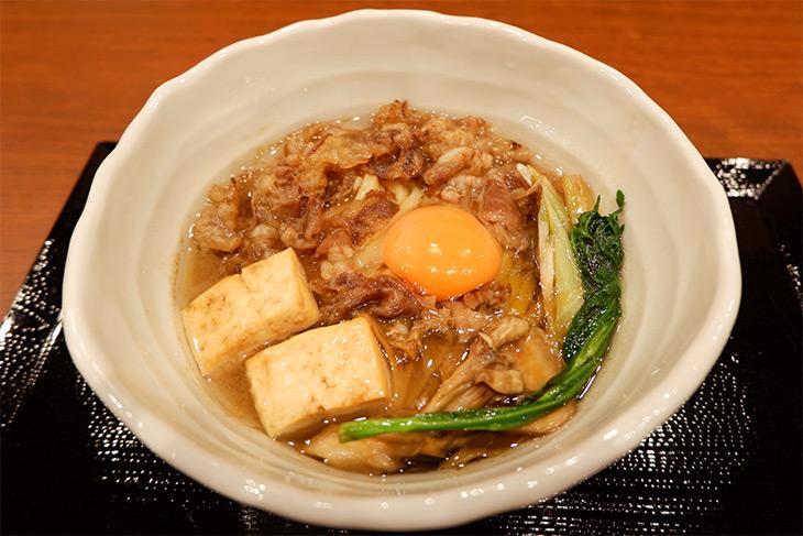 「神戸牛すき焼きうどん」(982円)は1日限定7食。神戸牛の脂の甘さとコシのある麺がよく合います!