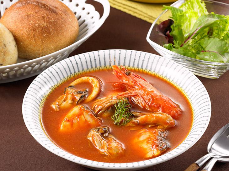 サッと煮込むだけで地中海の味! イシイの「ブイヤベース用スープ」が美味しくて超便利