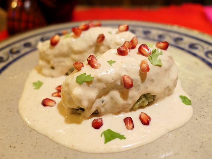 進化系肉詰めピーマン!? 新橋のメキシカンで出会った絶品の伝統料理「チレスエンノガダ」とは?