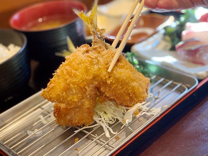 東京屈指の絶品アジフライを食べられる『釣りあじ食堂』に行ってきた