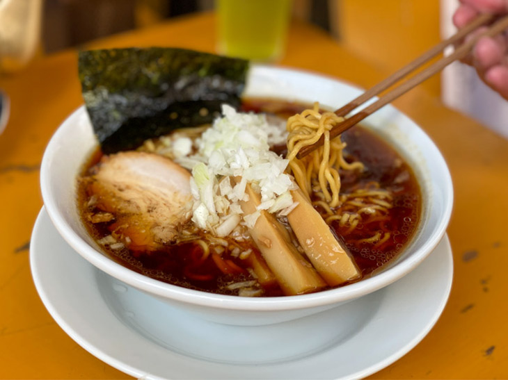 味わえるのは昼だけ! 高円寺の焼肉屋で千葉名物「竹岡式らーめん」を食べてきた