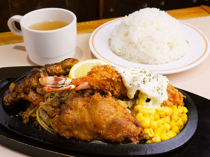 昭和のデカ盛り1kg! 御茶ノ水『キッチンカロリー』の「カロリー焼き」を食べてきた
