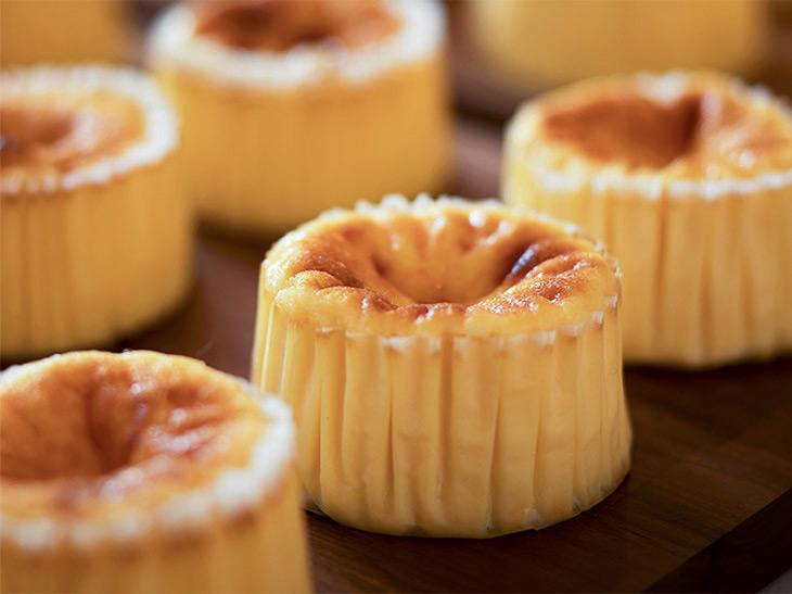 白金高輪『ガスタ』の伝統のレシピを継承した「バスクチーズケーキ」
