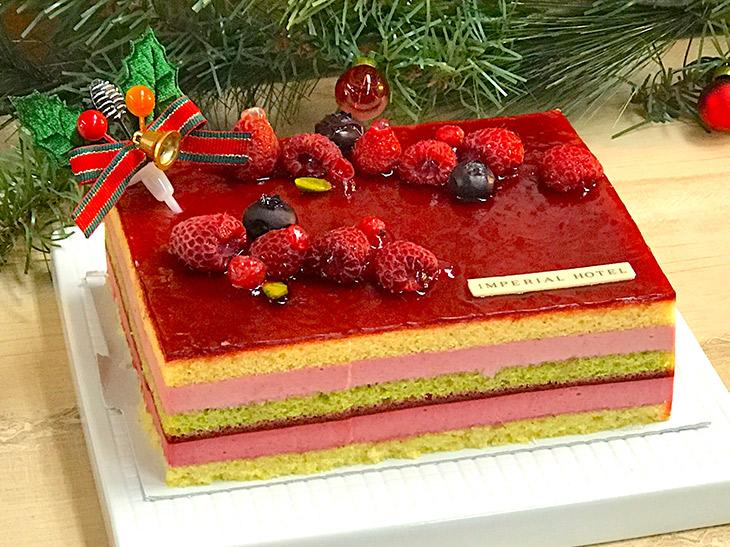 一番美味しいのはどれ? 東京駅で買える限定クリスマスケーキがスゴい!