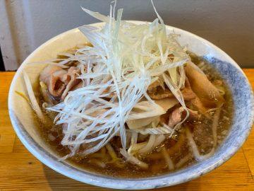 肉々しさ満点! 東京・中野の立ち食い蕎麦『NAMIKI』で絶品「背脂入り肉そば」を食べてきた