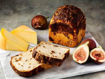 出会えたらラッキー! 高級食パン専門店『嵜本』の土日限定「白いちじくとゴーダチーズの食パン」とは?