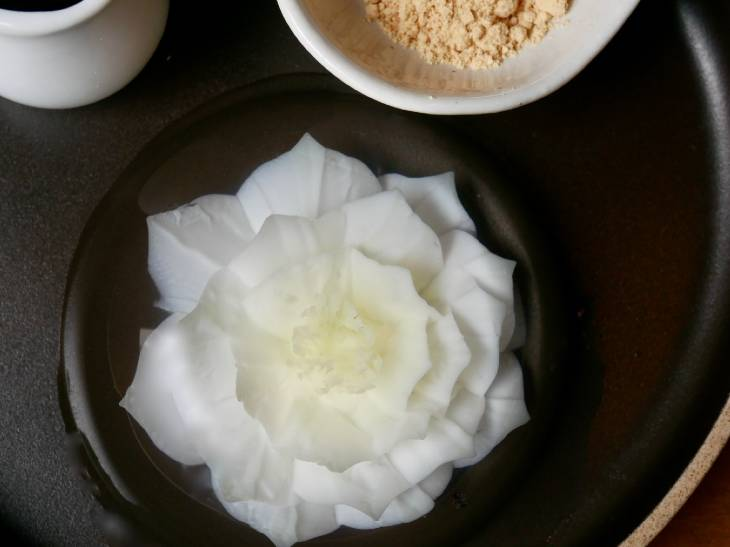 これ食べられるの!? 高円寺の『Cafe&Bar LIP』で見つけた「お花のスイーツ」がスゴすぎる