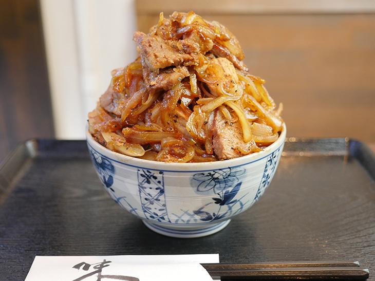 肉3倍盛ご飯大盛り! 超デカ盛り「豚丼」を東高円寺『どんぶり屋 ぽん』で食べてきた