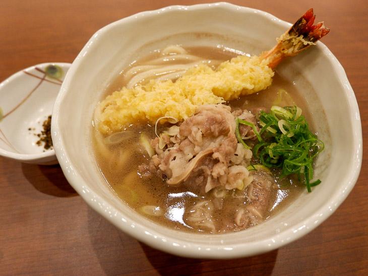 『丸亀製麺』の神戸牛や特大海老天がのった贅沢すぎる「年明けうどん」を堪能してきた