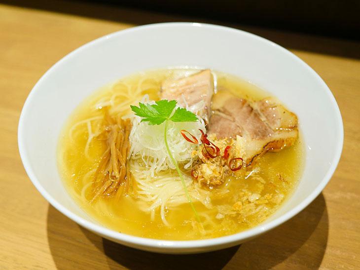 「しおらぁ麺」880円