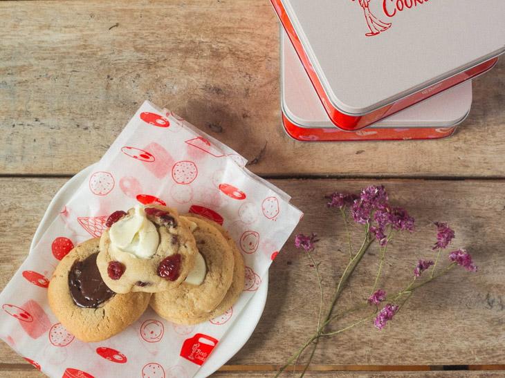 『ベンズ クッキーズ』の「ミニ クッキー ギフト缶」920円。販売期間:1月下旬~2月14日