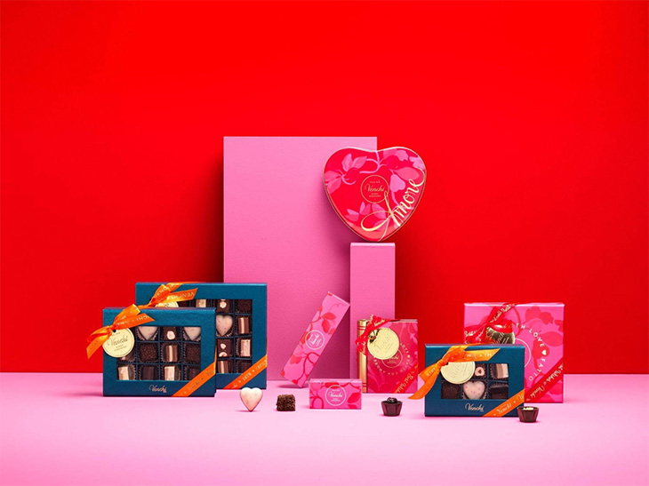 ローズレッドシリーズ:「クレミノ」12個入り3200円、「ジャンドゥイオット」12個入り3200円(ともに税別)