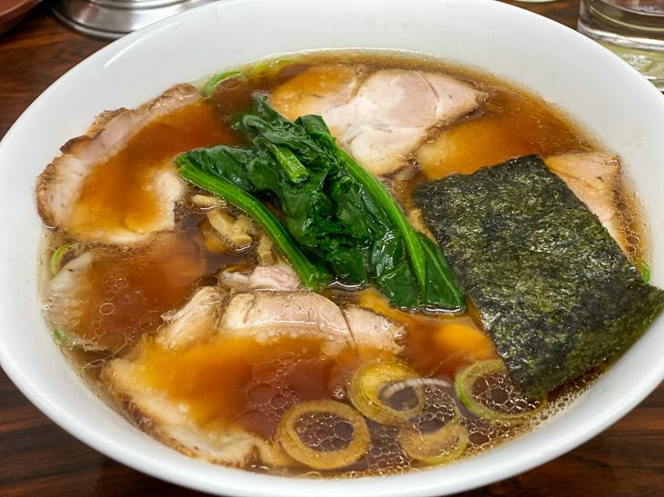 人気ラーメン店の主人も通う高円寺の町中華『天王』で「生姜醤油ラーメン」を食べてきた