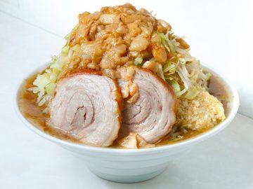 インパクト大! 2021年に食べたい東京周辺の「デカ盛りラーメン」5選