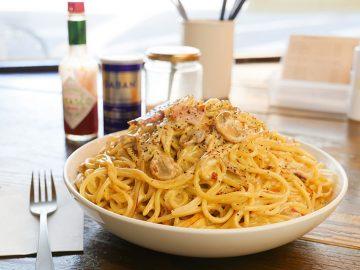 約1.5kg! 浅草『カルボ』でデカ盛りすぎる焼きスパゲティ「カルボ・山」を食べてきた