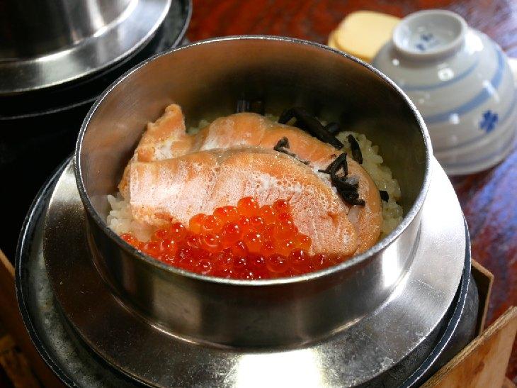 温泉付き釜めし屋!? 箱根の『かま家』で絶品「しゃけ親子釜めし」を食べてきた