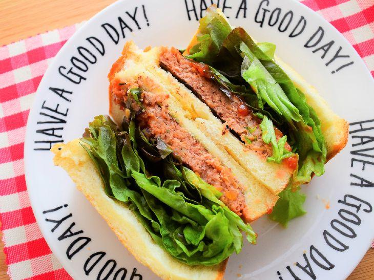 味も食感もほぼ本物! 代替肉でできた「ネクストバーガー2.0」を食べてみた