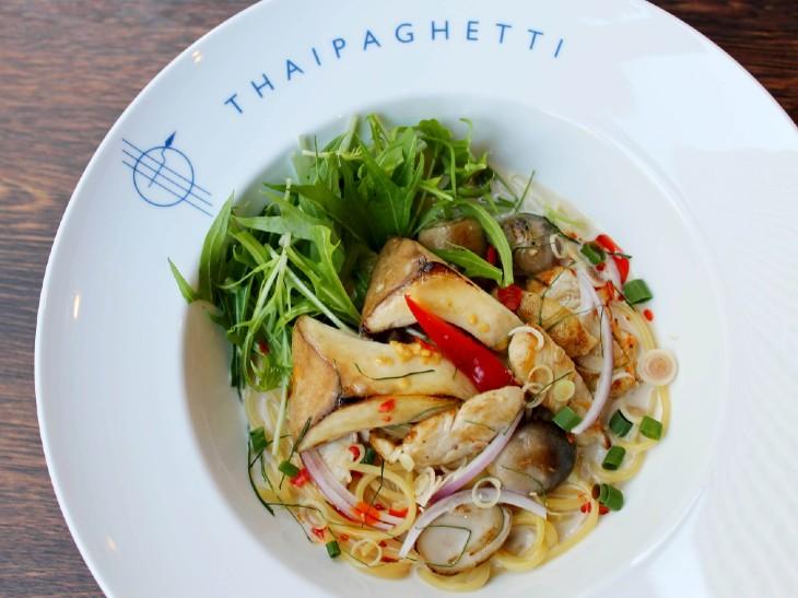 タイ人もびっくり!? タイ料理をスパゲティで味わう『THAIPAGHETTI』(池袋)の「タイパスタ」が激ウマ!
